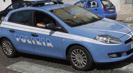Una macchina della polizia (archivio) © ANSA