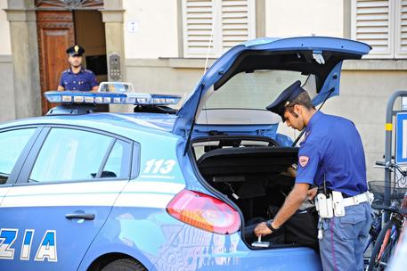Donna trovata decapitata in un palazzo: orrore a Brescia