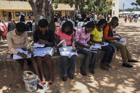 Nigeria: attacco a scuola, 'almeno 400 studenti scomparsi'
