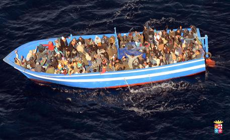 Italian navy in bid to rescue some 200 migrants off Lampedusa © ANSA