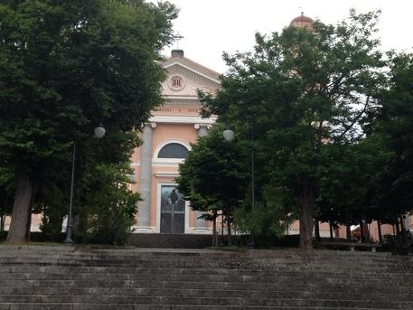 Furto sacrilego in cattedrale a Nuoro