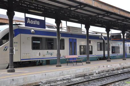 Marguerettaz a maggio treni bimodali valle d 39 aosta - Treni torino porta susa ...