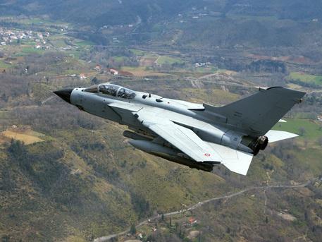 Un Tornado dell'Aeronautica Militare ANSA/ UFFICIO STAMPA FINMECCANICA © ANSA