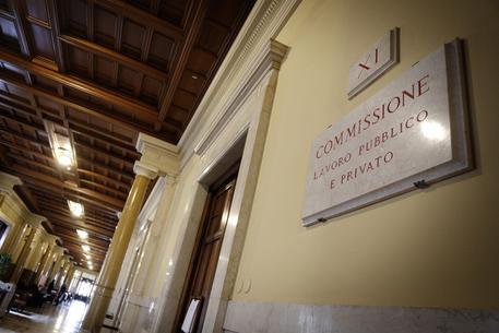 Manovra commissione lavoro stretta contro molestie al for Commissione lavoro camera