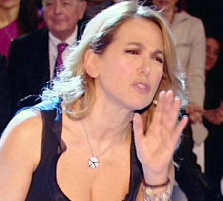 Barbara d'Urso, guai in vista: andrà a processo per diffamazione