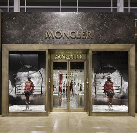 Moncler acquisisce Stone Island