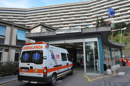 Incendio all'Ospedale San Martino spento dai Vvf