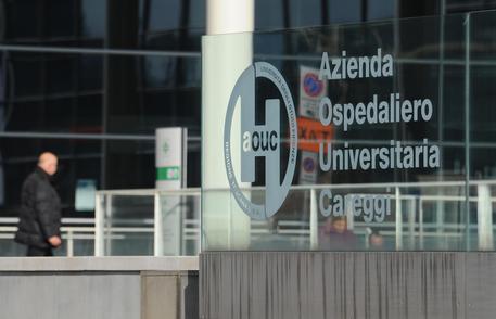 Pacco bomba esplode davanti libreria a Firenze: ferito artificiere