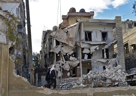 Siria, Coalizione attacca esercito siriano. Zakharova: gli USA stanno proteggendo il Daesh