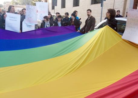 Omofobia legge ferma al senato da settembre 2013 for Commissione giustizia senato calendario