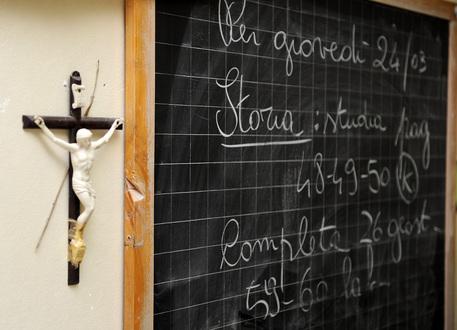In una scuola a Palermo  vietato pregare: rimosso crocifisso e foto del Papa$