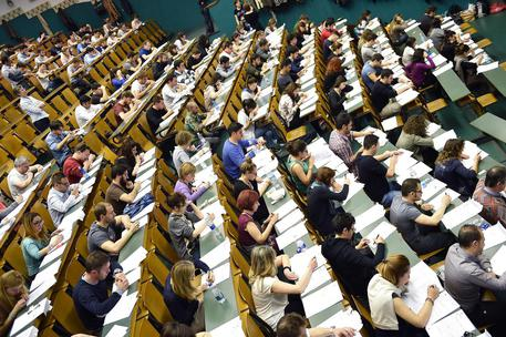 Università: si parte oggi con i test in Medicina
