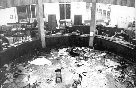 Aftermath of the 1969 Piazza Fontana bombing in Milan that killed 17 (foto: ANSA)