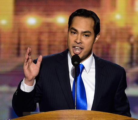 Julian Castro: Clinton emails a 'witch hunt'