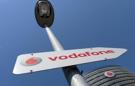 Vodafone Italia, ricavi da servizi e clienti 4G in crescita