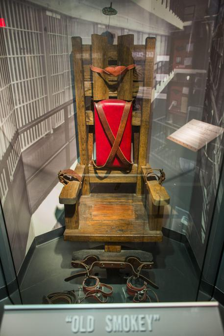 Pena di morte in tennessee torna la sedia elettrica for Morte con sedia elettrica