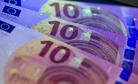 La Svizzera 'sgancia' il franco dall'euro, più vicine mosse Bce
