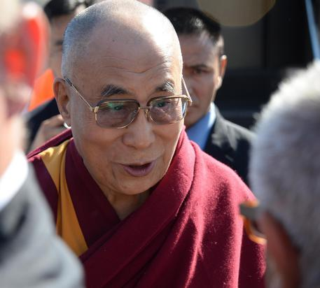 Dalai Lama says help refugees with peace - English - ANSA it
