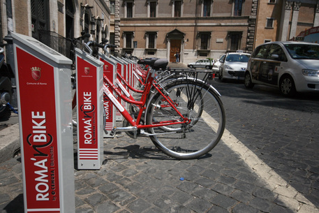 Foto d'archivio di bike sharing © ANSA