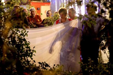 Donna uccisa da albero: grave la nipotina di 2 anni (foto: ANSA)