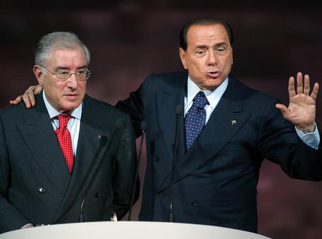 """Berlusconi pagava Totò Riina""$"
