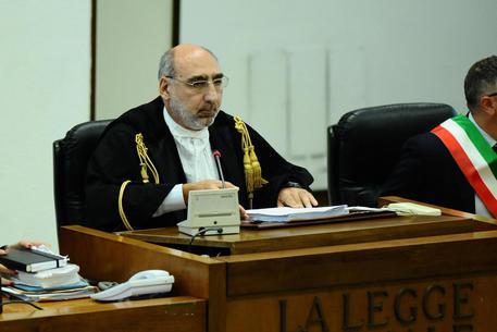Processo Stato-Mafia, Corte in camera di consiglio$