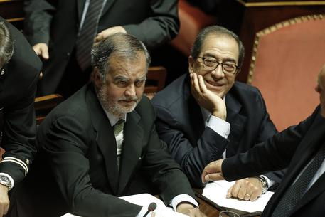 Calderoli gi numero deputati ultima ora for Numero senatori e deputati