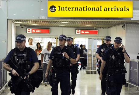 Jihadisti Gb, Downing Street e Heathrow © EPA