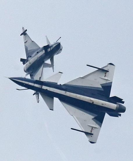 Aereo Da Caccia Cinese : Caccia cinese sfiora aereo usa asia ansa