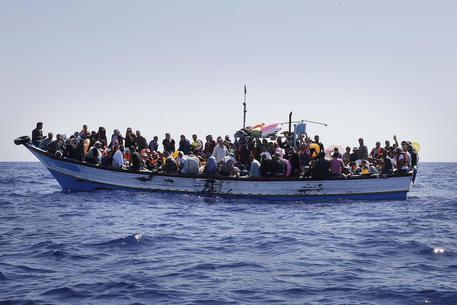 de mare nostrum à triton: les migrants abandonnés à la mer (lo) dans Europe 097ef578a9568f54d6602b185a70044c