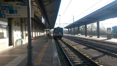 Barletta, muore travolto da un treno FS: disagi alla circolazione