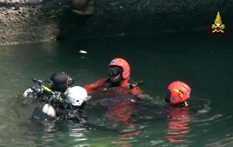 Cornaredo (Milano): passeggia con il padre e cade in acqua, bambino disperso