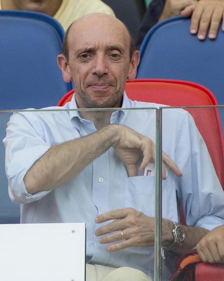 Antonio Mastrapasqua in tribuna durante la partita del campionato di Serie A Roma-Cagliari allo  stadio Olimpico di Roma, 21 settembre 2014 (foto: ANSA)