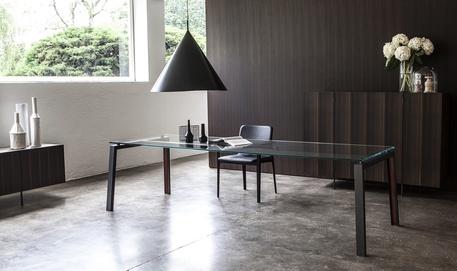 Tavolo Cristallo Lombardia.Design Nuovo Tavolo Ipe In Legno Metallo E Cristallo