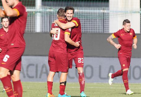 Davide Astori, il capitano della Fiorentina, morto in albergo a Udine. Rinviata la serie A. Stop anche in B, rinviate gare oggi e domani 075d7dc920489d3e305b5af809917801