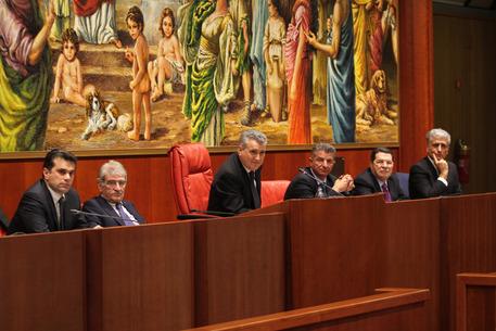 Scalzo presidente consiglio calabria calabria for Ufficio di presidenza