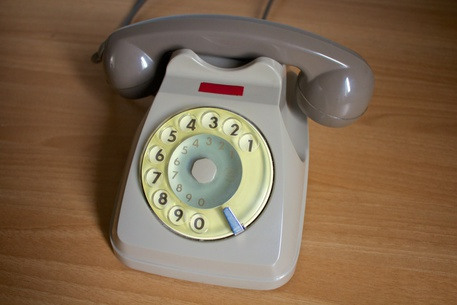 La Francia dice addio al telefono fisso