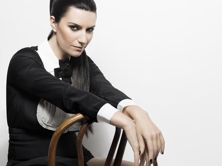 Il 6 novembre Laura Pausini torna con