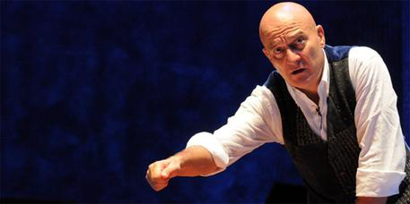 Claudio Bisio in FATHER AND SON di Michele Serra, regia Gior © ANSA