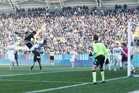Carpi-Juventus 2-3 621cec0fd602335f096c0b957390e5f7