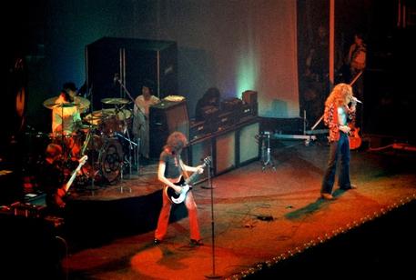 Led Zeppelin, 35 anni fa si sciolsero i giganti del rock