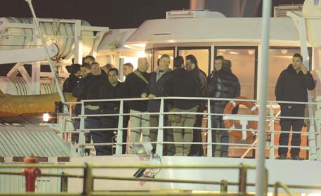 Italians return from Libya (foto: ANSA)