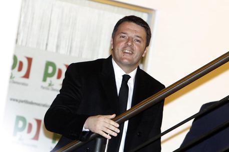 Pd, Renzi: 'Stop discussioni su dopo, ora casa per casa'