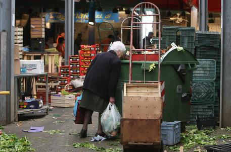 Poveri a Roma, foto di archivio © ANSA
