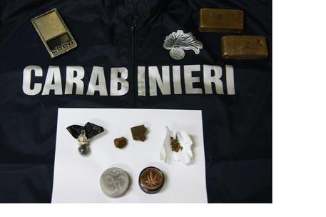 Sorpresi con sei chili di hashish: arrestati padre e figlia