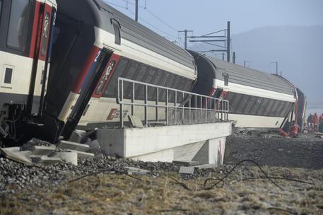 Svizzera: collisione treni a Rafz vicino Zurigo, feriti © EPA