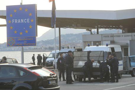 Attentato terroristico Nizza, rafforzati i controlli alla Frontiera Francia-Italia