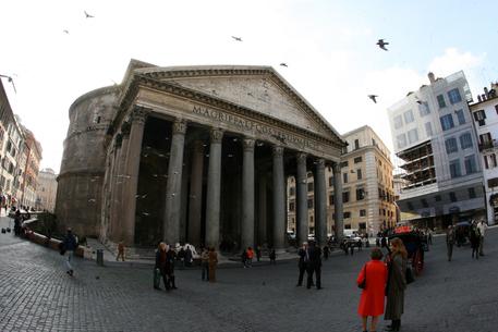 Il Pantheon a Roma (foto di archivio) © ANSA