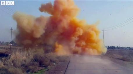 Isis usa bombe al cloro in Iraq, Bbc mostra immagini
