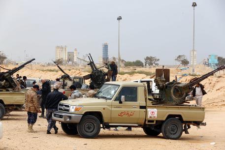 Libia, governo smentisce offerta 900 soldati italiani